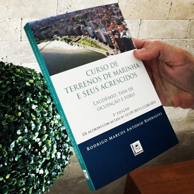 Curso de Terrenos de Marinha e seus Acrescidos - 2a. edição